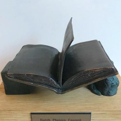 thesis-award